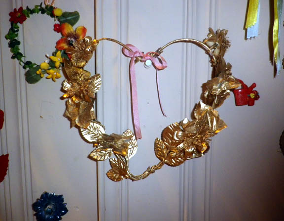 Gold leaf heart wreath