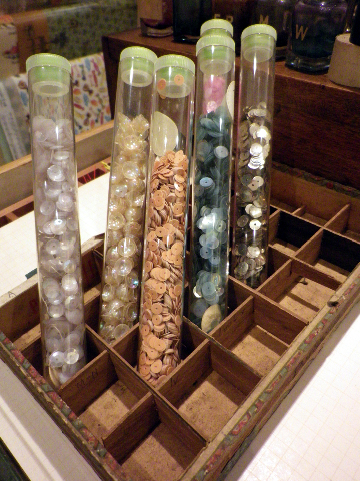 Sequin vials