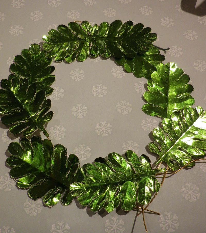 Foil leaf wreath_sm.jpeg