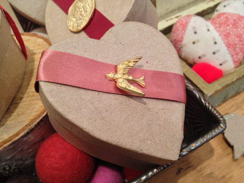 Vdayribbondovebox